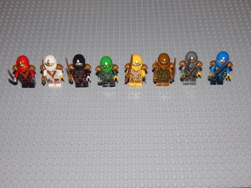 8 Minifiguren Ninjago Goldener Ninja Lloyd Skylor Zane