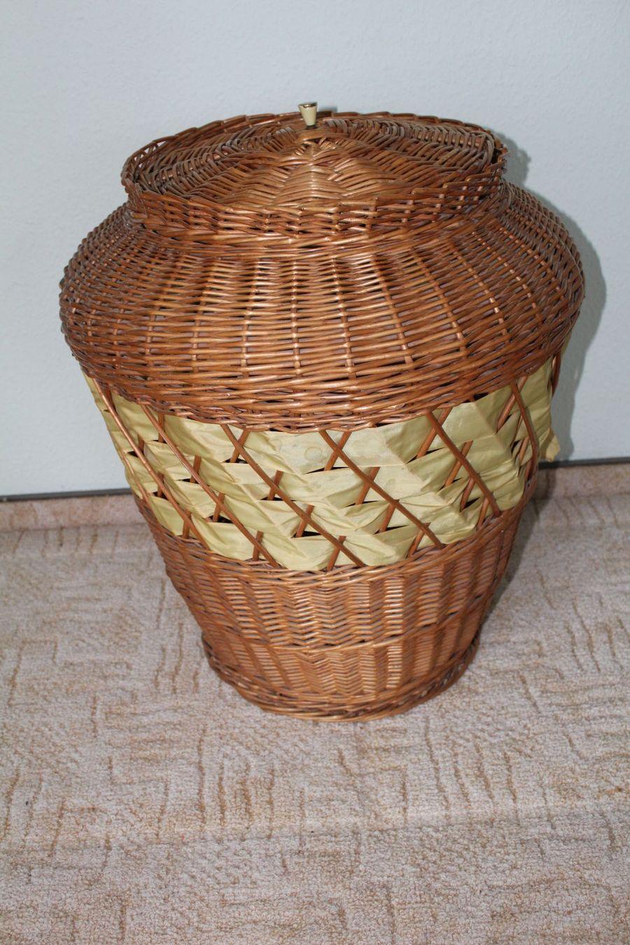 geflochtener brauner Wäschekorb mit Deckel zu kaufen bei Fairmondo ~ 01163202_Wäschekorb Plastik Mit Deckel