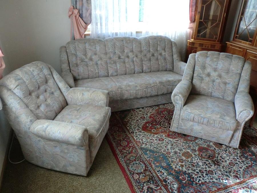 hochwertige dreiteilige wohnzimmer sofa sitzgarnitur zu kaufen bei fairmondo. Black Bedroom Furniture Sets. Home Design Ideas